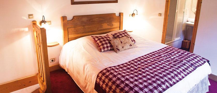 France_Meribel_Hotel-la-chaudanne_Bedroom-junior2.jpg